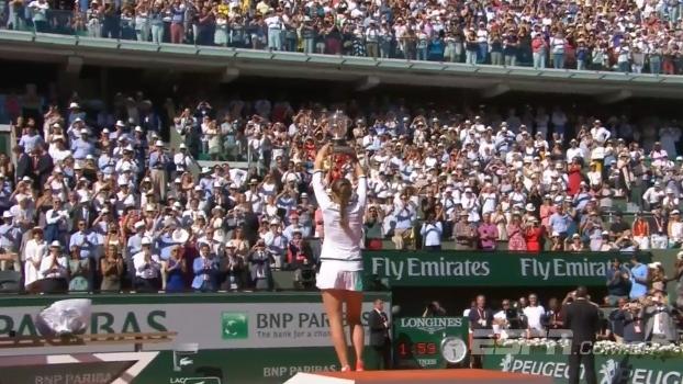 Pelas Quadras analisa a incrível virada da 'corajosa' Ostapenko, de 20 anos, campeã de Roland Garros