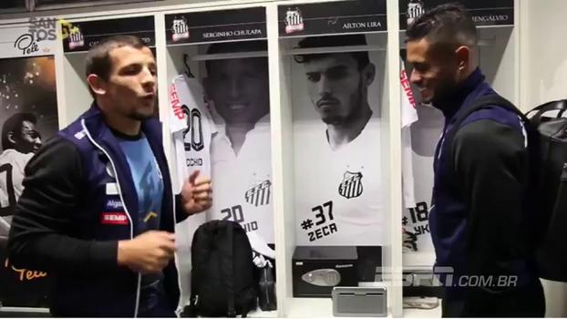 Após garantir mais 3 pontos para o Santos, o argentino Vecchio mostra samba no pé; veja