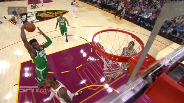 A NBA já começou com jogadas de tirar o fôlego; veja o Top 5 do primeiro dia