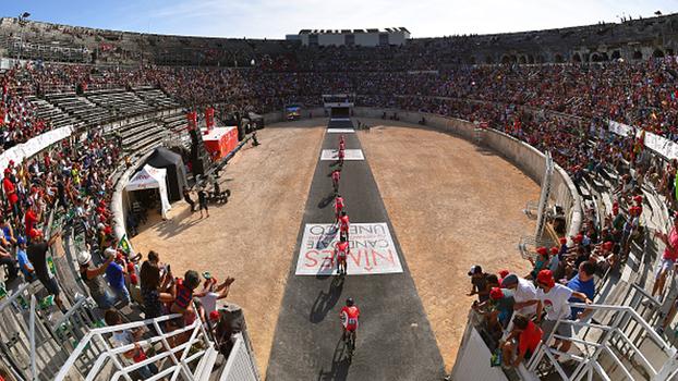 Primeira etapa da Vuelta a España tem duas quedas e vitória da BMC; assista