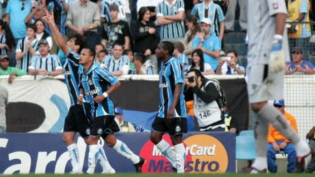 Show de Souza e gol de Jonas deram vitória ao Grêmio sobre Atlético-MG em 2009