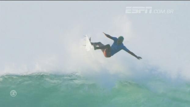 Show de Filipe Toledo, Medina na semifinal e tubarão na água de novo: veja como foi a quarta em Jeffreys Bay