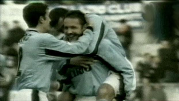 Com três golaços de falta, Mihajlovic foi o nome do triunfo da Lazio sobre a Sampdoria em 1998