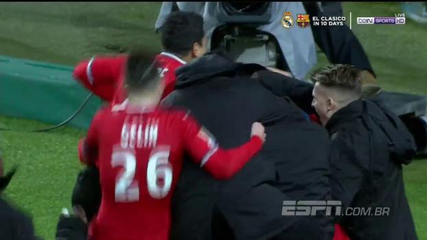 Olympique empata no fim, mas cai nos pênaltis para o Rennes e está fora da Copa da Liga Francesa