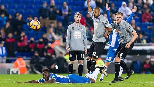 Brasileiro vacila e Espanyol consegue empate com o Deportivo La Coruña