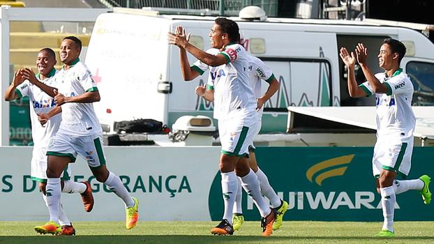 Assista aos gols da vitória do América-MG sobre o Figueirense por 2 a 1!