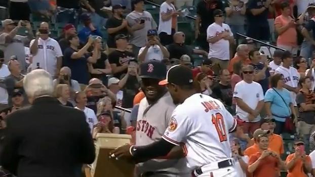 e9af359bc94fa David Ortiz recebe homenagem inusitada do Baltimore Orioles