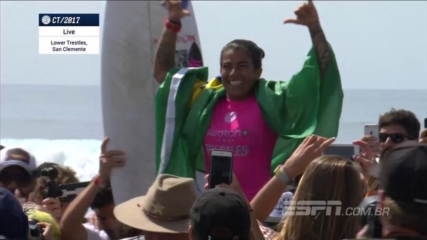 Silvana Lima é campeã da etapa de Trestles de surfe