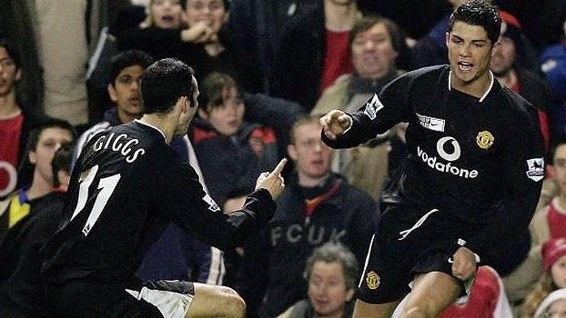 No jogaço de 2005, United virou sobre o Arsenal com Giggs, dois de C. Ronaldo e um golaço