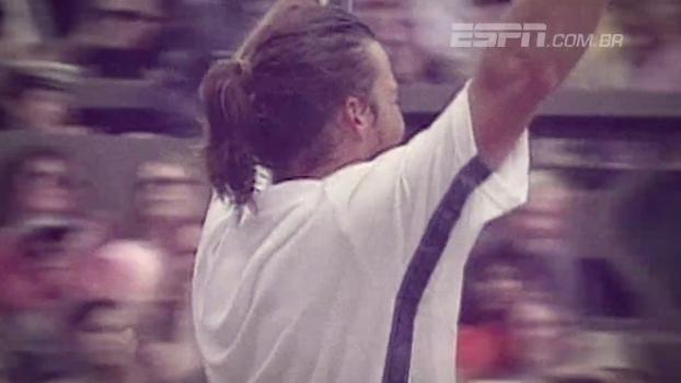 Em 2000, Pat Rafter e Agassi se enfrentaram em jogo de cinco sets pela semifinal de Wimbledon