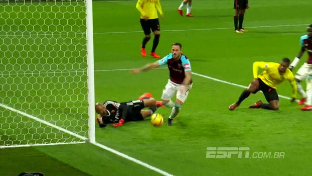 Veja a elasticidade de Cech, o milagre de Gomes e outras defesaças da rodada na Premier League
