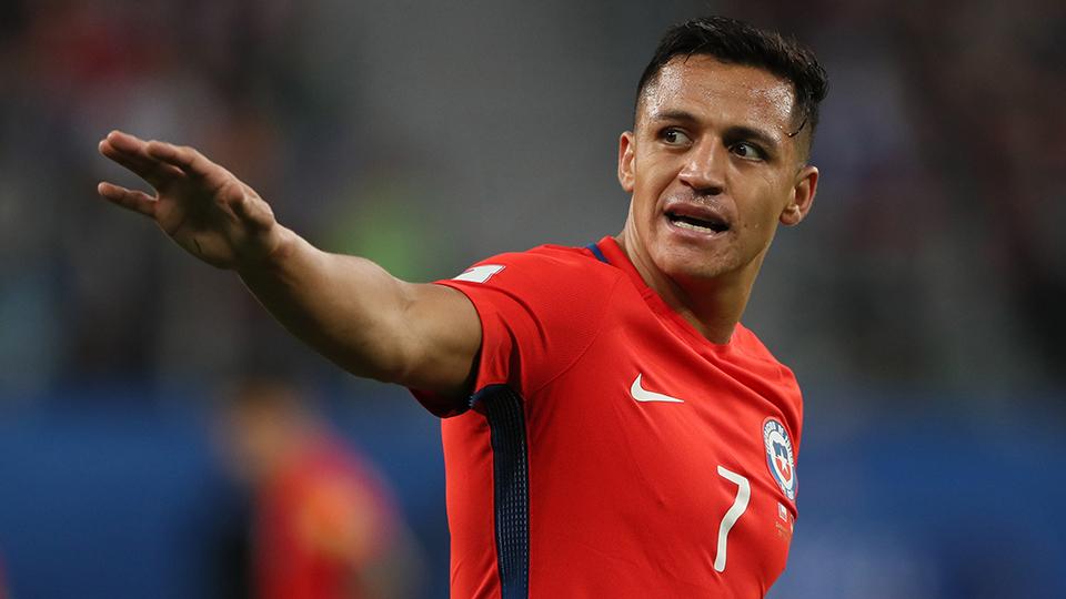 ATACANTE: Alexis Sanchez, Chile e Arsenal - € 65 milhões (R$ 245 milhões); opção: Henrikh Mkhitaryan (Armênia e United - € 35 milhões)