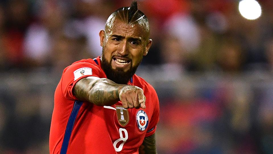 MEIO-CAMPISTA: Arturo Vidal, Chile e Bayern de Munique - € 35 milhões (R$ 132 milhões); opção: Georginio Wijnaldum (Holanda e Liverpool - € 28 milhões