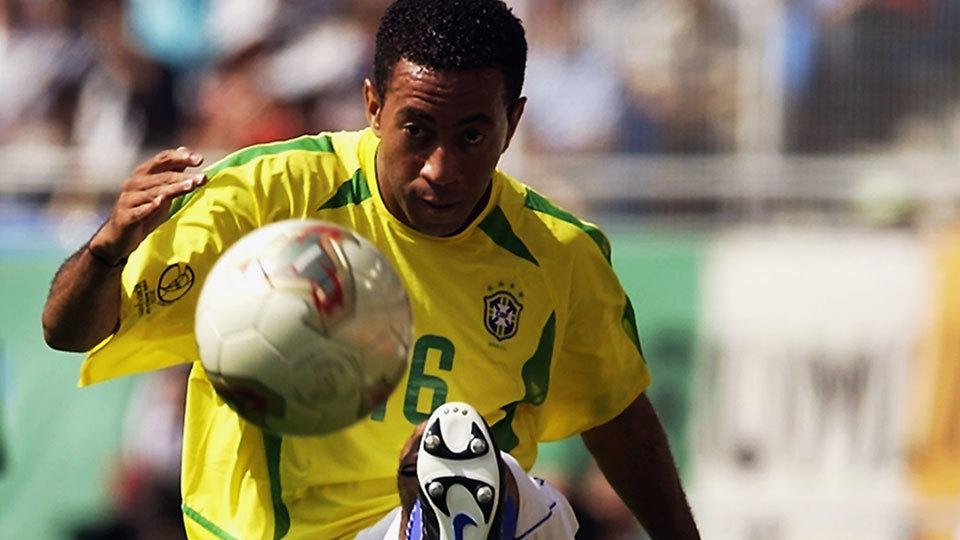 Júnior aposentou-se do futebol em 2010 e virou dono de restaurante em Belo Horizonte