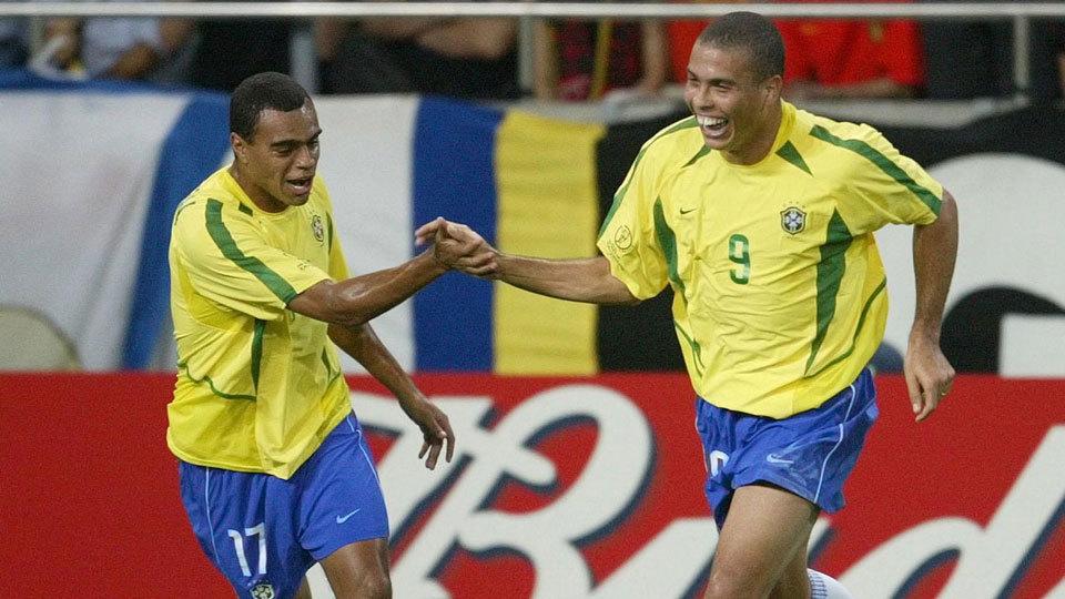O talentoso Denílson deixou de jogar futebol em 2010 e há alguns anos é comentarista da TV Bandeirantes