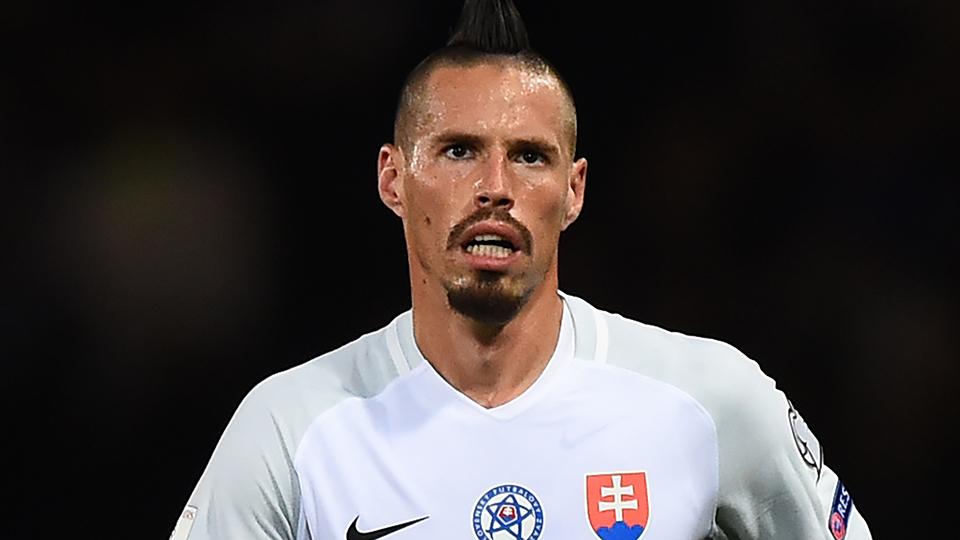 MEIO-CAMPISTA: Marek Hamsik, Eslováquia e Napoli - € 40 milhões (R$ 150 milhões); opção: Riyad Mahrez (Argélia e Leicester - € 30 milhões)
