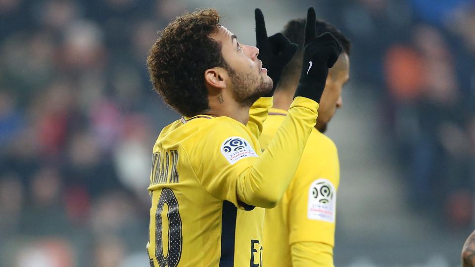 Dois gols, duas assistências: o show de Neymar