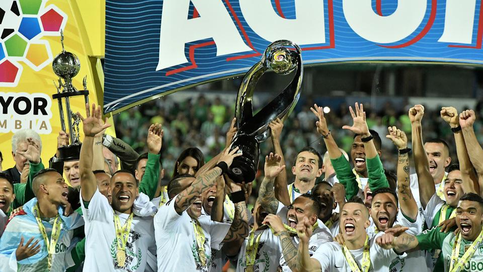 Atlético Nacional (Colômbia) - fase de grupos - campeão do Apertura na Colômbia