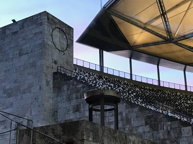 Parte onde a tocha olímpica se encontra foi mantida como no projeto original